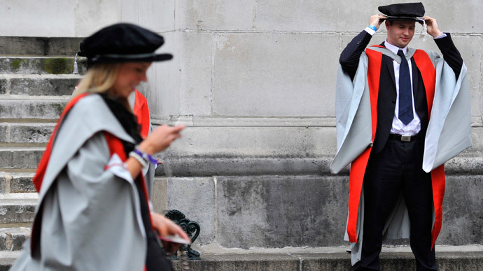 UK student loans system near collapse