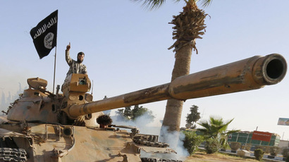 Islamic State makes more gains in northern Iraq, as Christians flee