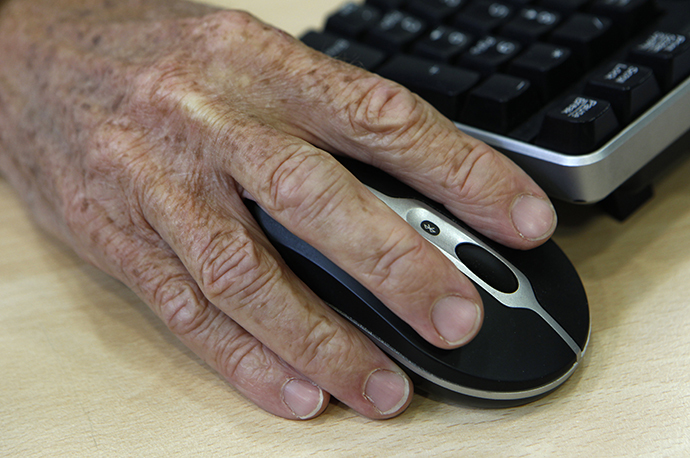 Britain's elderly will have to delay their retirement to help lower the UK's national debt, according to UK economic forecaster. (Reuters / Suzanne Plunkett)