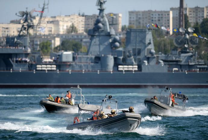 Military sports festival during Russian Navy Day celebrations in Sevastopol.(RIA Novosti / Konstantin Chalabov)