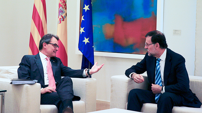 ​Catalan leader defies Spanish PM to his face, pledges to press ahead with independence vote