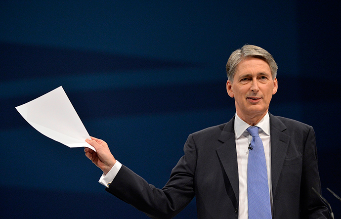 "UK Foreign Secretary, Phillip Hammond, says the government is taking the threat of an outbreak of Ebola in Britain ""very seriously."" (Reuters / Toby Melville)"