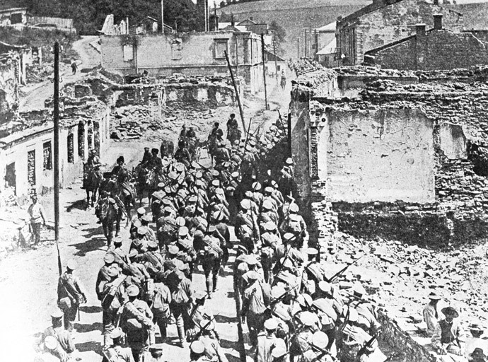 Russian troops in Buchacha, June 1916. Brusilov Offensive, May-July 1916. South-Western Front. WWI (1914-1918). State History Museum. Photo reproduction. (RIA Novosti / Yuri Kaplun)
