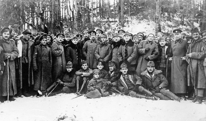 First World War. South-Western front line. Bonding between Russian soldiers of the 37th rifle infantry division and Hungarians. Funds of the Central Museum of the Revolution of the USSR (now the State Central Museum of Contemporary History of Russia) in Moscow. Photocopy. (RIA Novosti)