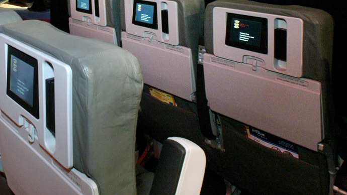 Airplanes could be taken over through inflight entertainment systems, hacker claims