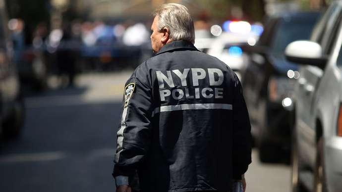 NYPD arrest leaves Brooklyn woman nearly naked (VIDEO)