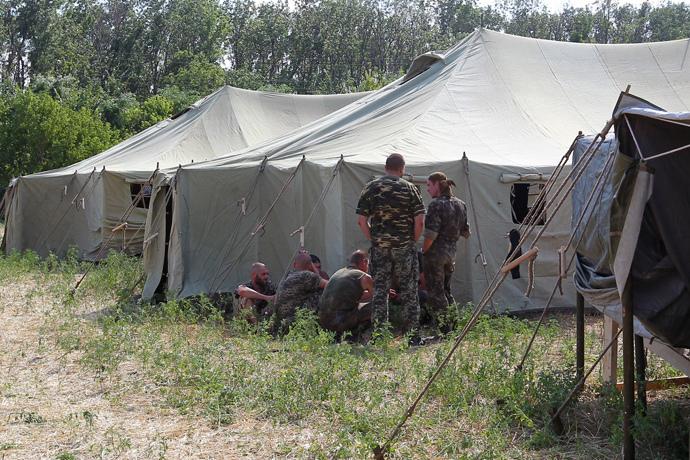 Ukrainian soldiers in a tent camp in Rostov Region. (RIA Novosti / Feodor Larin)