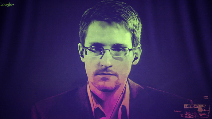 Assange urges Snowden to be 'extremely cautious' if he leaves Russia