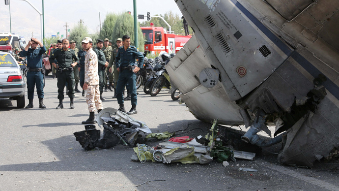 39 killed as airliner crashes near Tehran's Mehrabad Airport (VIDEO)