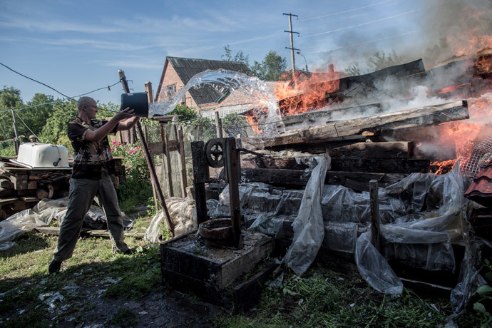 The aftermath of an artillery shelling of Slavyansk by the Ukrainian military. (RIA Novosti / Andrey Stenin)