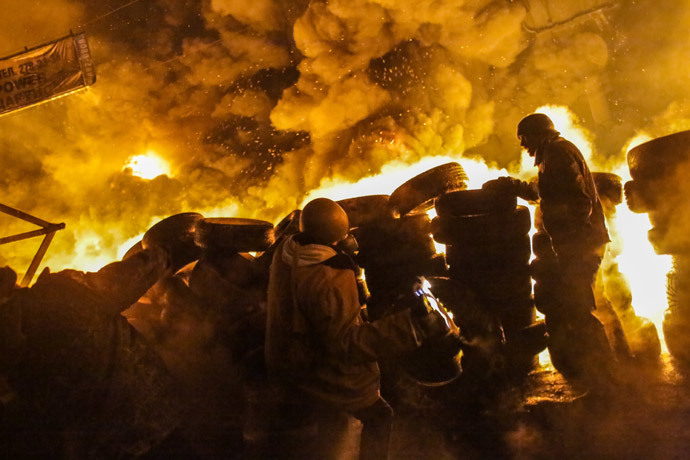 Supporters of European integration of Ukraine clash with the police in the center of Kiev. (RIA Novosti / Andrey Stenin)