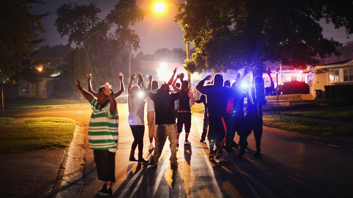 FBI investigates Ferguson death after 2nd night of clashes betw police, protesters (PHOTOS, VIDEOS)