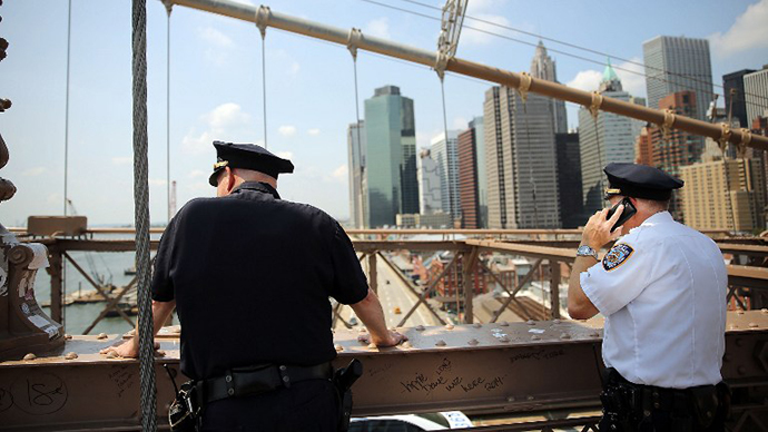 German artists claim responsibility for Brooklyn Bridge 'white flag' incident