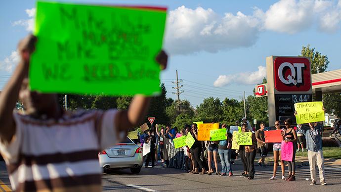 Gun sales spike around Ferguson after 3 days of riots
