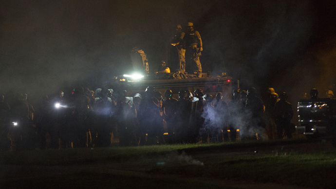 Militarized US police face-off with Ferguson protesters