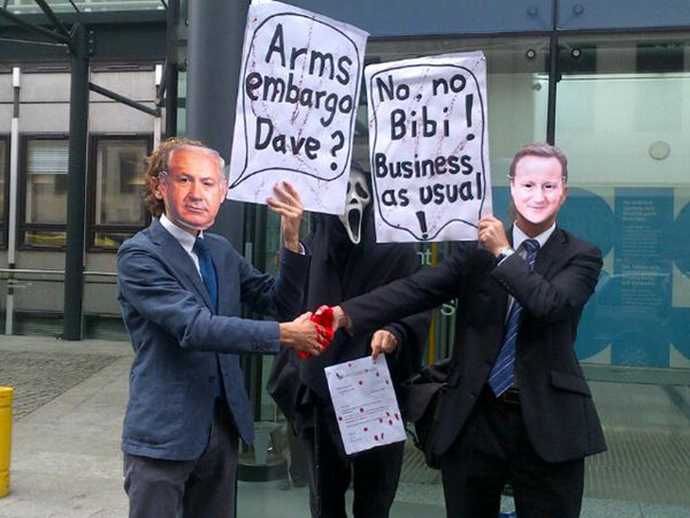 Anti-arms activists demonstrate against the British government's failure to suspend export licences, which legitimized the sale of military components to Israel. (Image from twitter.com / LDNPalestineAction)