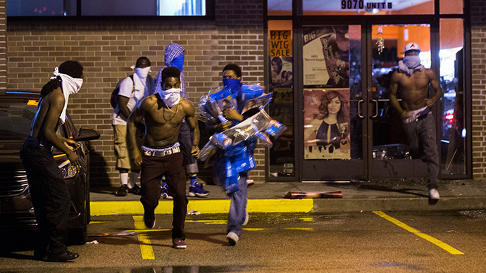 Looting mars renewed protests in Ferguson (PHOTOS) — RT US News