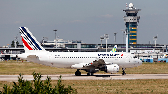 Ebola crisis: Air France crews call for flight cancellations