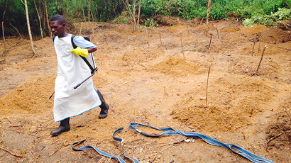 Ebola epidemic spawns black market in survivors' blood