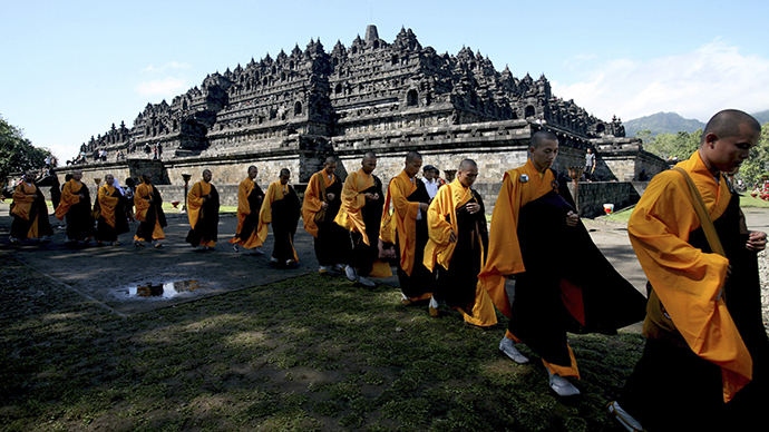 Indonesia tightens security at world's largest Buddhist temple after ISIS threat