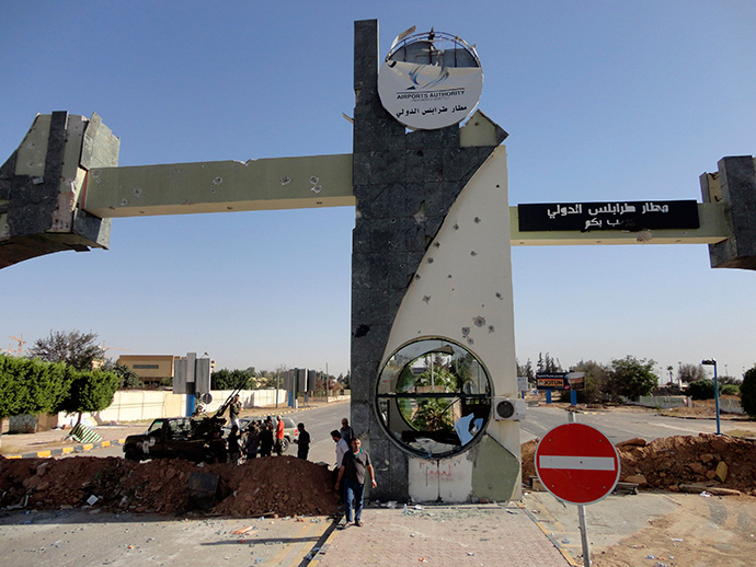 A general view is seen of the entrance of Tripoli international airport August 24, 2014 (Reuters / Aimen Elsahli)