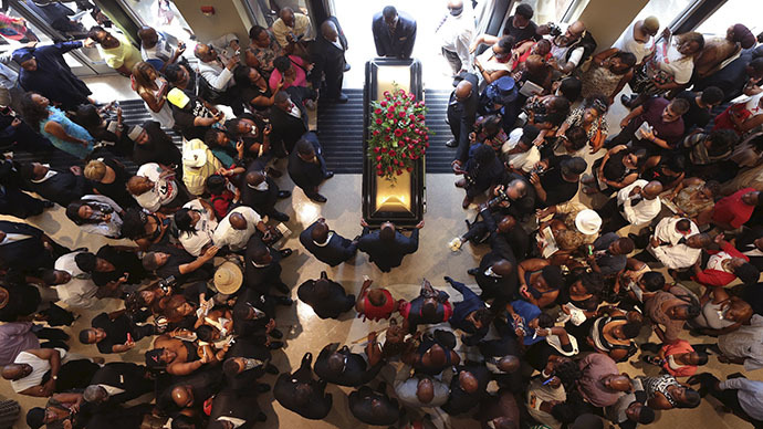 Michael Brown funeral draws thousands along with celebrities, civil rights leaders