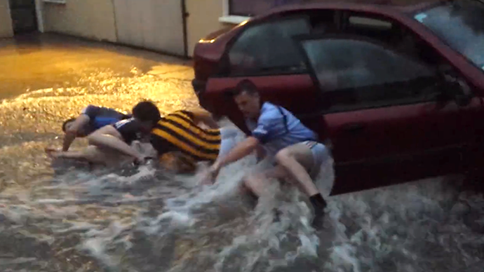 Car waterworks: Irishmen take Ice Bucket Challenge to whole new level (VIDEO)