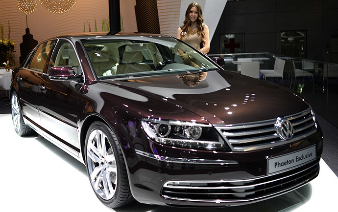 Volkswagen Phaeton Exclusive car presented during the Moscow International Automobile Salon 2014 at Crocus Expo. (RIA Novosti / Vladimir Astapkovich)
