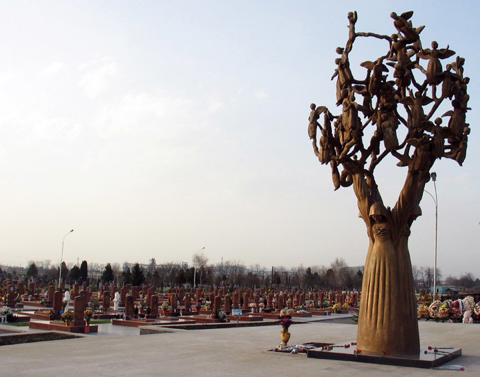 A cemetery in Beslan, North Osetia--the last abode of victims of the September 2004 appalling terror act at secondary school No. 1 (RIA Novosti/Kazbek Basaev)