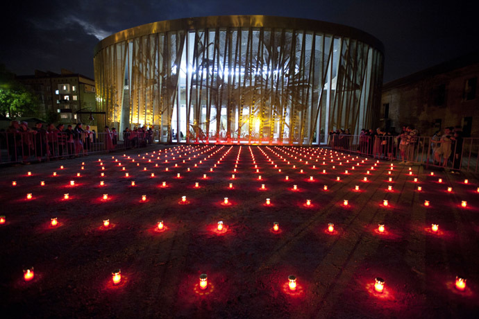 Candles at the Beslan Memorial as part of the commemorative events in memory of the September 1, 2004 terrorist attack in Beslan. (RIA Novosti/Anton Podgaiko)
