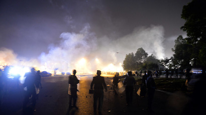 Clashes resume in Pakistan as protesters briefly seize state TV station