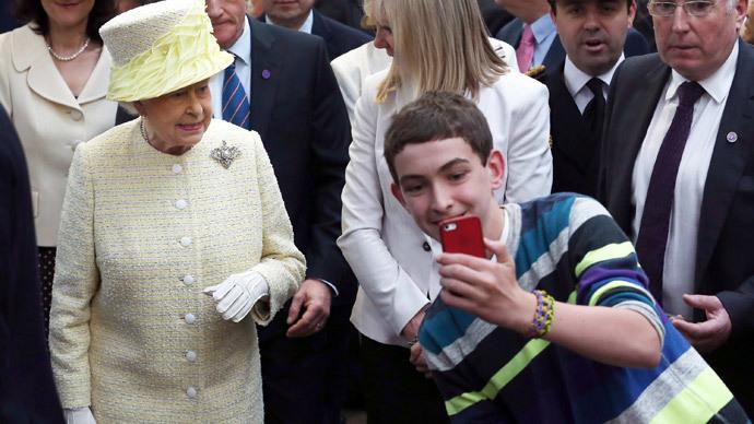 The Queen's tweets: HRH Queen Elizabeth II joins Twitterati