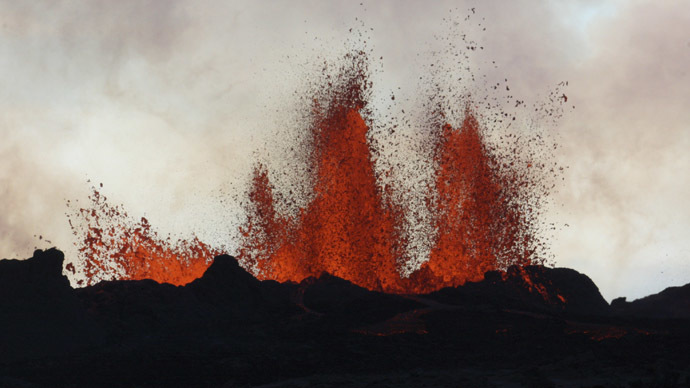 'Crater like Empire State Bldg': US daredevil recalls hanging over scorching lake of lava