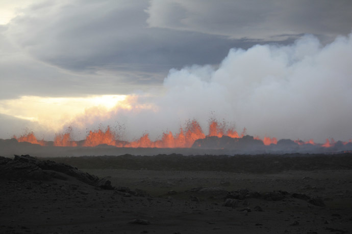 The lava flows on the ground after the Bardabunga volcano erupted again on August 31, 2014. (Reuters/Armann Hoskuldsson)