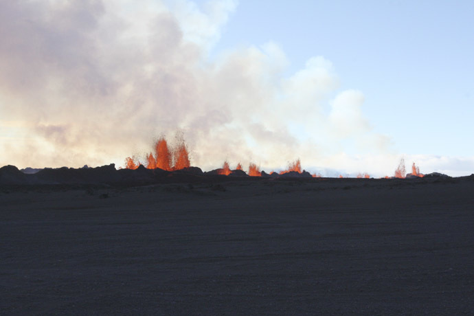 Lava fountains are pictured at the site of a fissure eruption near Iceland's Bardarbunga volcano September 2, 2014. (Reuters/Armann Hoskuldsson)