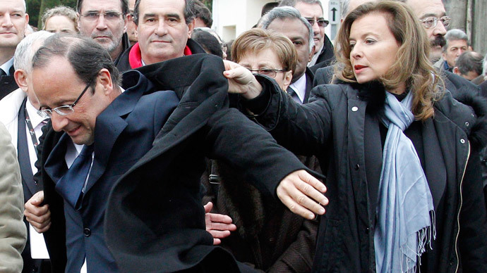Valerie Trierweiler and Francois Hollande.(Reuters / Regis Duvignau)