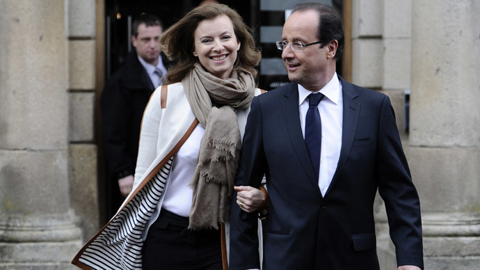 Francois Hollande and Valerie Trierweiler.(AFP Photo / Fred Dufour