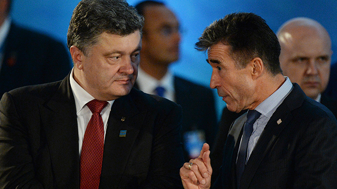 NATO top commander vague about 'Russian threat' while pledging more military aid to Kiev