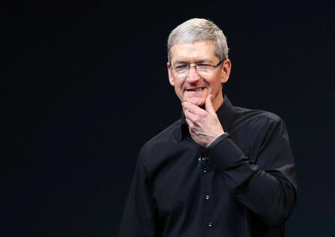 Apple Inc CEO Tim Cook (Reuters/Robert Galbraith)