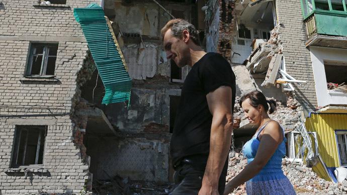 Sporadic shelling in E. Ukraine threatens ceasefire, parties trade blame (VIDEO)
