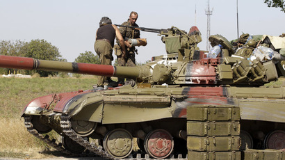 Sporadic shelling in E. Ukraine threatens ceasefire, parties trade blame (VIDEO)