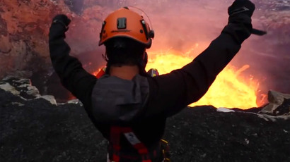 Hellfire hero: Filmmaker descends into fiery active volcano (VIDEO)