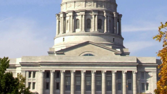 Missouri lawmakers override veto, approve 72-hour wait for abortions