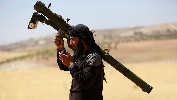 An Islamist Syrian rebel group Jabhat al-Nusra fighter.(Reuters / Hamid Khatib )