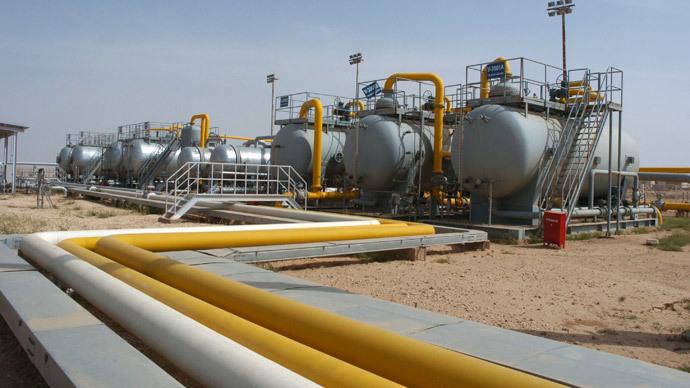 A general view of an oil refinery in Al-Jbessa oil field in Al-Shaddadeh town of Al-Hasakah gorvernate. (Reuters / Stringer)