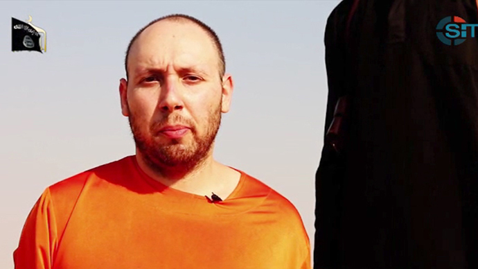 An image grab taken from a video released by the Islamic State (IS) and identified by private terrorism monitor SITE Intelligence Group on September 2, 2014, purportedly shows 31-year-old US freelance writer Steven Sotloff (AFP Photo)