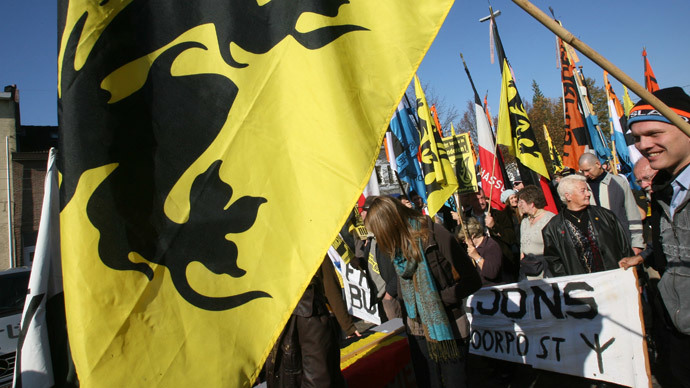 Members of the Flemish nationalist group Voorpost (Outpost) demonstrate calling for independence for the Flemish part of Belgium in Rhode-Saint-Genest, near Brussels (AFP Photo / Dominique Faget)