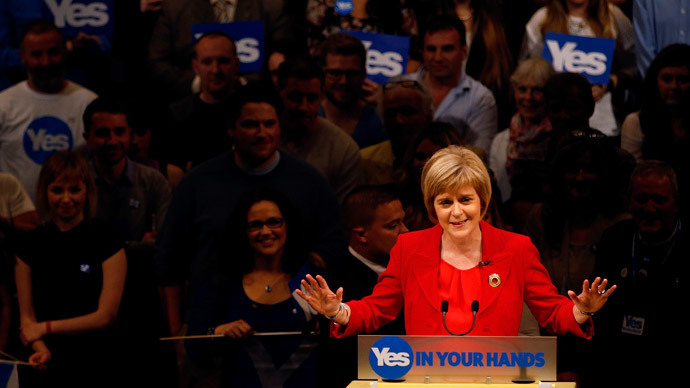 Deputy First Minister of Scotland Nicola Sturgeon speaks at a 'Yes' campaign rally in Perth, Scotland September 17, 2014. (Reuters / Russell Cheyne )