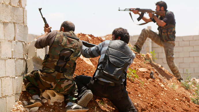 Free Syrian Army fighters take position.(Reuters / Hosam Katan)