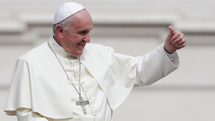 Hats off: Pope's skull cap raises over $250k on eBay in less than 36hrs